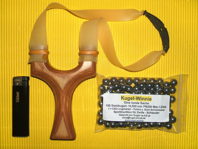 G8DS/® Schleuder schwarz mit Kugelmagazin Sportschleuder Zwille